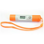 Infrared pen size thermometer